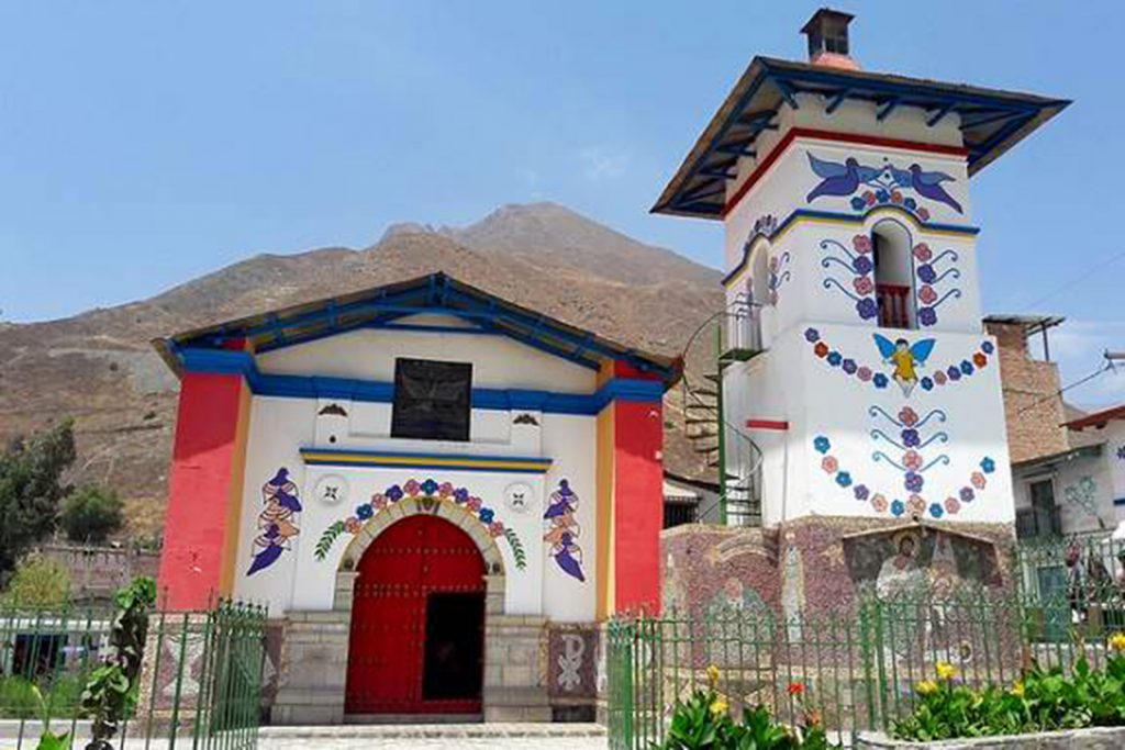 The colourful town of Antioquía on a day tour from Lima
